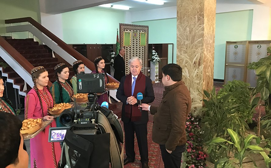 SCO Secretary General visits polling stations in Ashgabat and Akhal Region