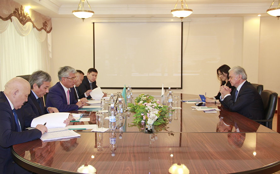 SCO Secretary-General meets with Minister of Culture and Sport of Kazakhstan