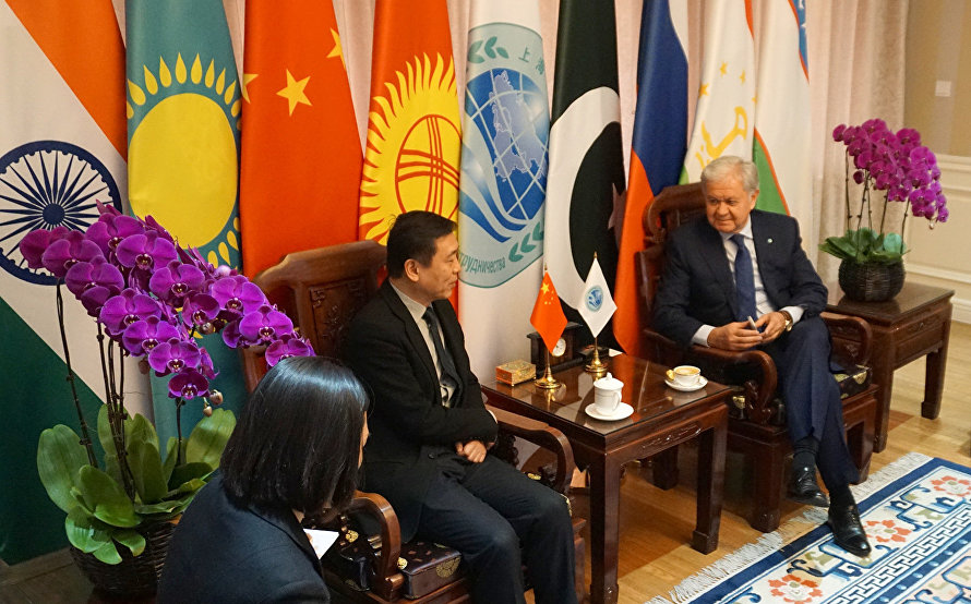 The meeting with Zhang Hongsen, Vice Minister of the People's Republic of China's State Administration of Press, Publication, Radio, Film and Television