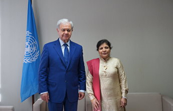 Rashid Alimov has a meeting with Shamshad Akhtar in Bangkok