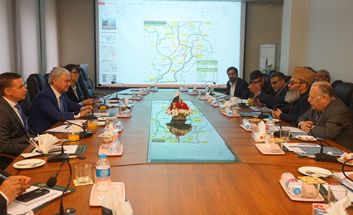 SCO Secretary-General meets with Pakistani planning and transportation officials