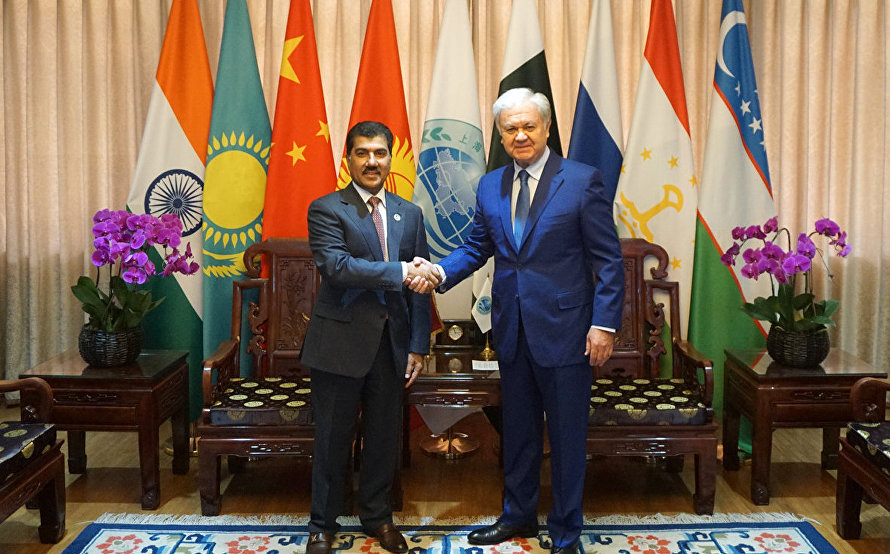Secretary-General of Qatar's Foreign Ministry Ahmad Hassan Al-Hamadi visits the SCO Headquarters