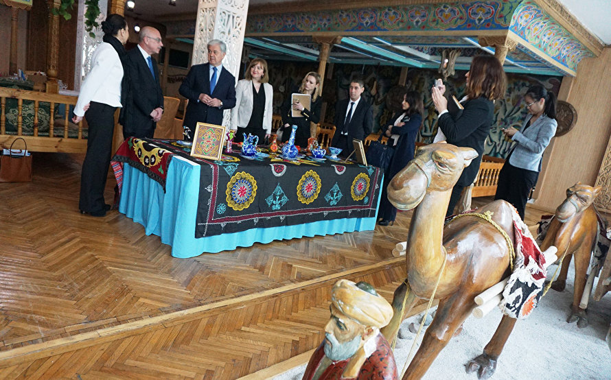 an exhibit of decorative items by Tajik craftsmen at the Tajikistan hotel