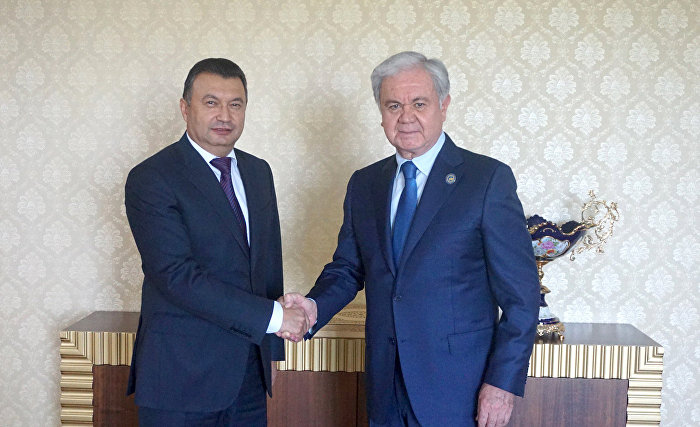 Rashid Alimov and Kokhir Rasulzoda discuss preparations for SCO Heads of Government Council meeting in Dushanbe in mid-autumn