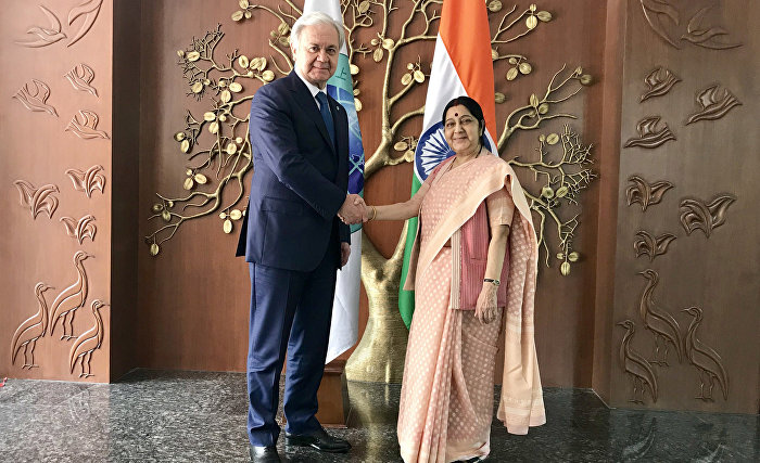 The SCO Secretary-General meets with Indian Minister of External Affairs in New Delhi