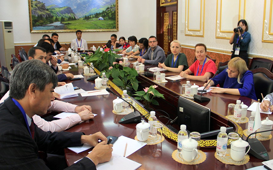 A meeting with journalists and representatives of ministries and agencies responsible for mass media operations in the SCO member states was held at the Organisation's Headquarters