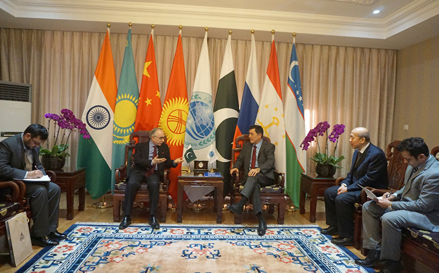 SCO Secretary-General met at the SCO Secretariat in Beijing with Ambassador Extraordinary and Plenipotentiary of the Islamic Republic of Pakistan to the People's Republic of China