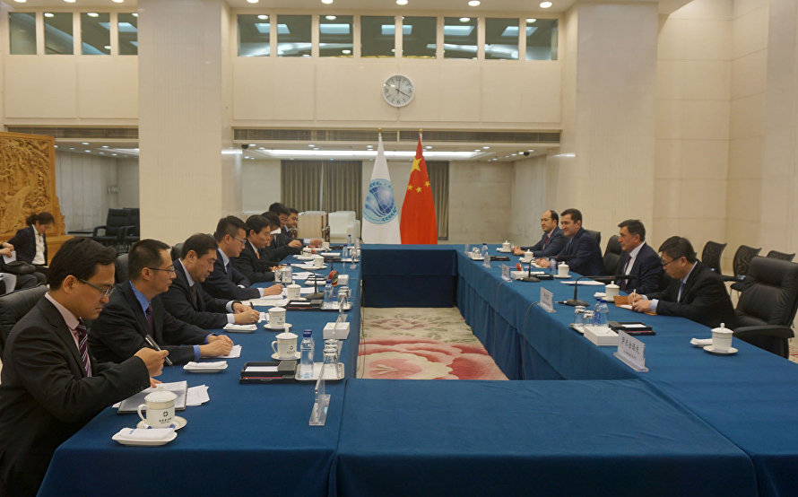 SCO Secretary-General meets with Chinese Minister of Commerce