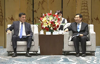 SCO Secretary-General meets with CPC Committee Secretary of Shaanxi Province Hu Heping in Xian
