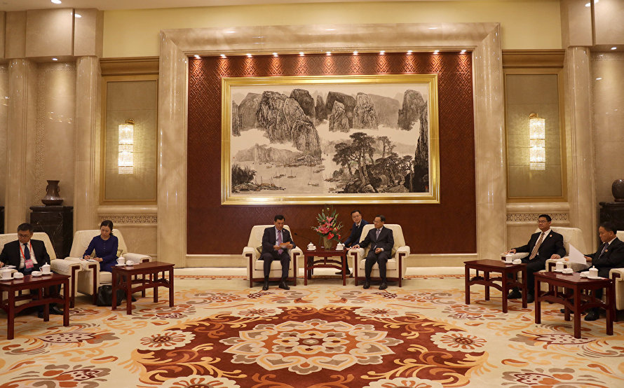 SCO Secretary-General meets with Governor of China's Guangxi Zhuang Autonomous Region