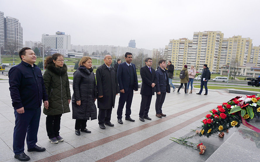SCO Observer Mission in Belarus pays tribute to Great Patriotic War Heroes