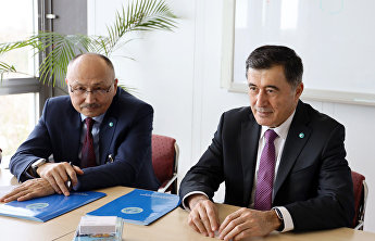 SCO Secretary-General Vladimir Norov meets with WHO Deputy Director-General Zsuzsanna Jakab