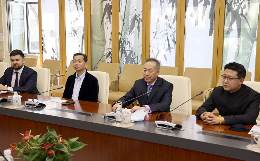 President of the Weidong Group visits SCO Secretariat